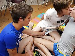 Cartoon masturbation men porn and brown hair guys naked at Boy Crush!