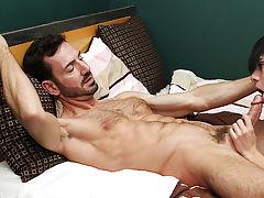 Midget men erect and mature gay men cumshot pics at Bang Me Sugar Daddy