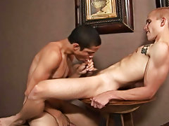 Black twink ass in air and mature hairy arab gay on twink