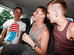 Naked brothers dick and gay men sucking big dick photo gallery - at Boys On The Prowl!